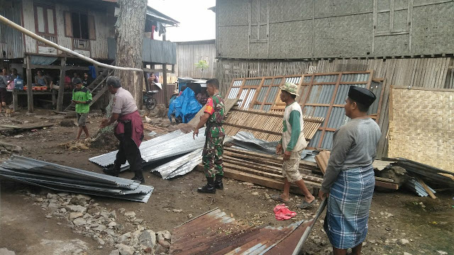 Ratusan Rumah Warga Rusak Diterjang Angin