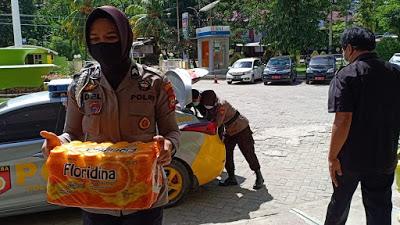 Bhayangkari Cabang Enrekang memberikan bantuan
