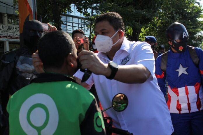 Appi-Rahman Mulai Sasar Satu Persatu Warga agar Kenakan Masker
