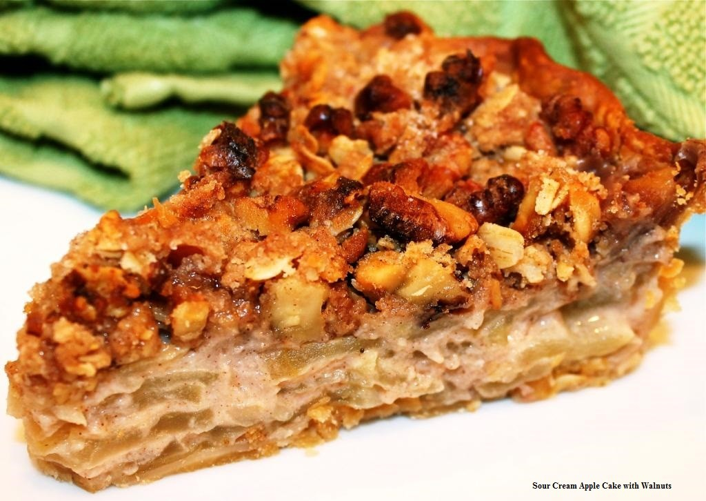 Recipe Sour Cream Apple Pie with Walnuts