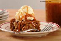 Sour cream apple pie with walnuts