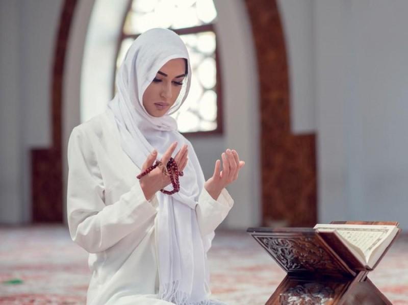 Hukum Mendoakan Orang Mati Menurut Islam