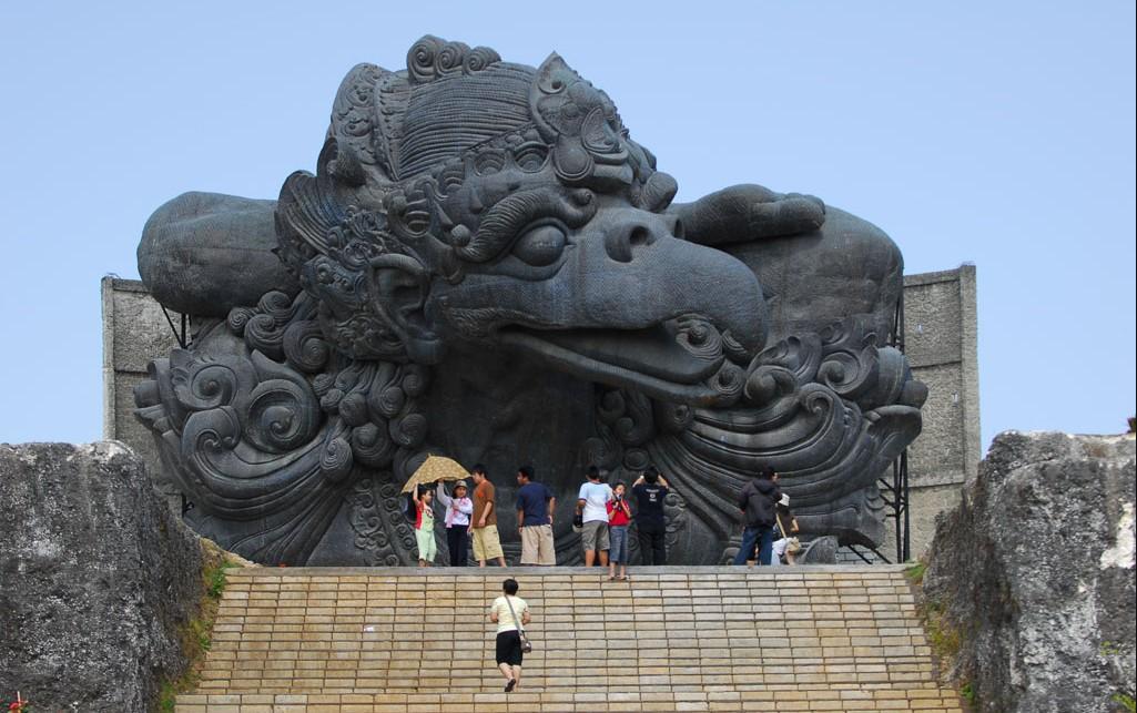 Patung yang Ada di Indonesia